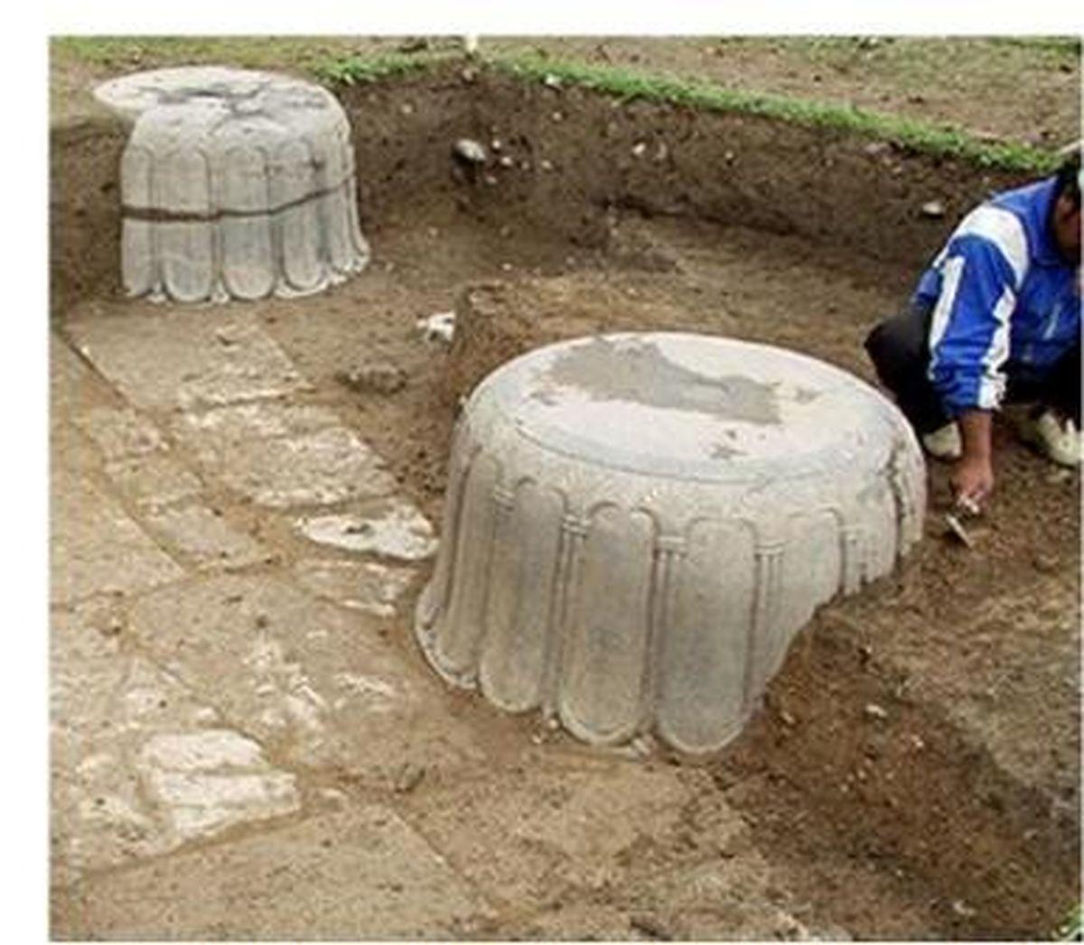 پایه یکی از ستون های تخت جمشید در یک منزل کشف شد!