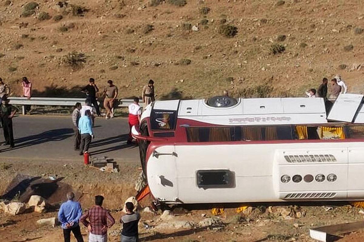 علت واژگونی اتوبوس خبرنگاران در آذربایجان غربی اعلام شد